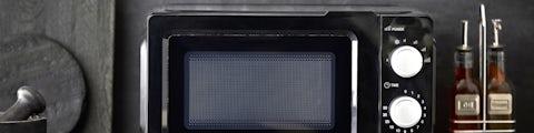 Mikrobølgeovn og kombi ovne til madlavning i køkkenet