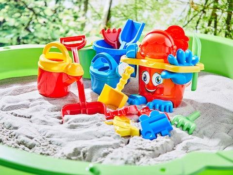 Legetøj til stranden og sandkassen